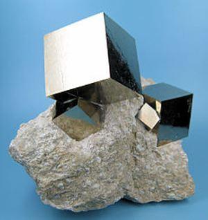 240px-2780M-pyrite1